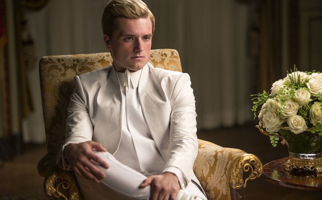 """How The """"Hunger Games"""" Team Brought """"Mockingjay – Part 1"""" From The Page To The Screen"""