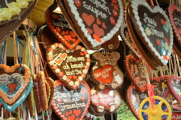 Traditional German Wedding Gifts: Mouth-Watering German Christmas Traditions We Can't Live