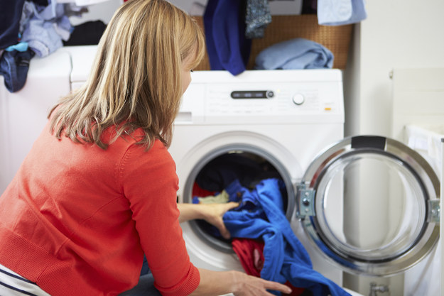23 surprising laundry tips you didn 39 t know you needed - Protect clothes colors washing ...