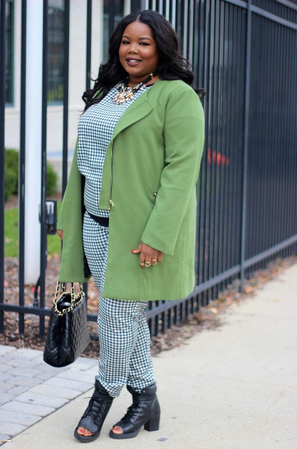 7b1cb3e0dc Fact  Curvy girls are killing it at the style game.