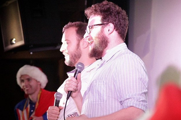 Seth Rogan Christmas.Seth Rogen Surprises Fans At Christmas Screening Of The