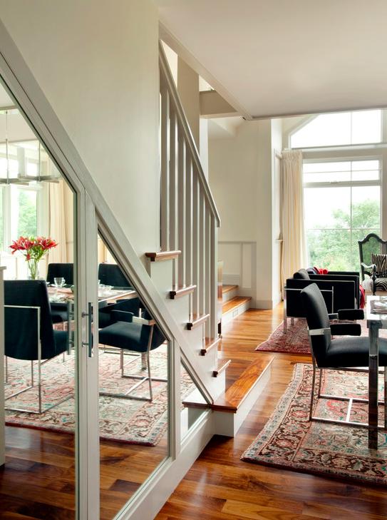 27 id es g niales pour utiliser l 39 espace sous vos escaliers. Black Bedroom Furniture Sets. Home Design Ideas