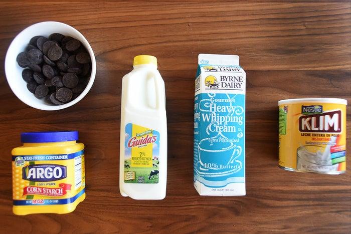 60% dark chocolate, corn starch, whole milk, heavy whipping cream, milk powder.