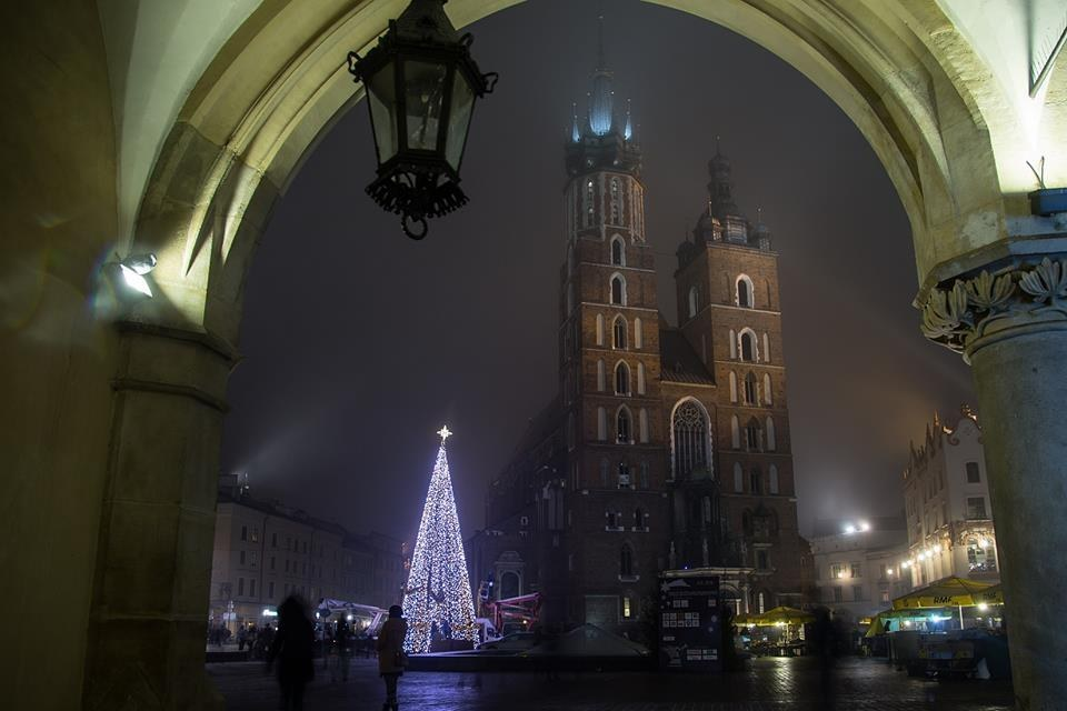 21 Magical Photos From Christmastime In Poland