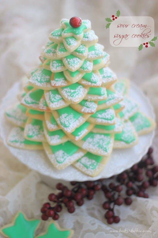 27 Holiday Cookies That Are Almost Too Cute To Eat