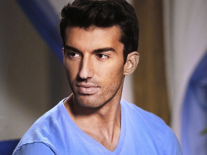 This Is Rafael Solano A Richy Hot As Hell Hotelier Whos A Reformed Playboy And Plays Janes Baby Daddy On Jane The Virgin