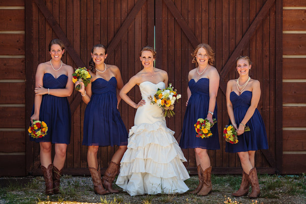 8 Things Bridesmaids Should Never Do the Day of the Wedding