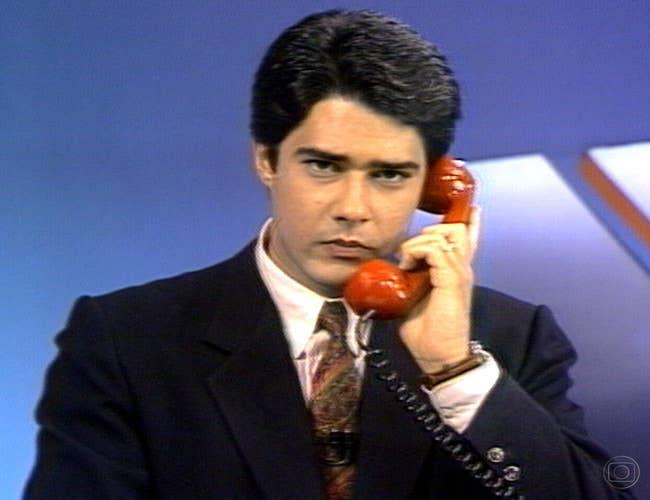 O âncora falando com o repórter Carlos Dornelles, em Israel, durante a Guerra do Golfo, em 1991