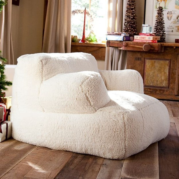 Merveilleux Curl Up On This Giant Pillow Chair.