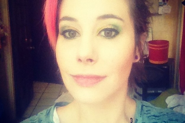 This Woman Is Live-Tweeting Her Struggle To Orgasm On Anti-Depressants