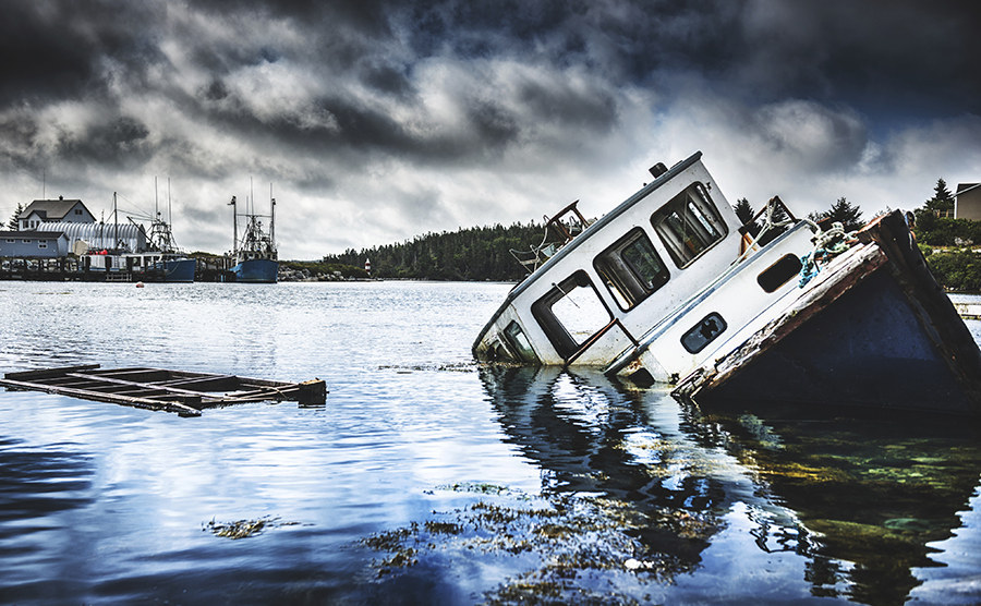 19 Terrifying But Gorgeous Abandoned Places In Canada