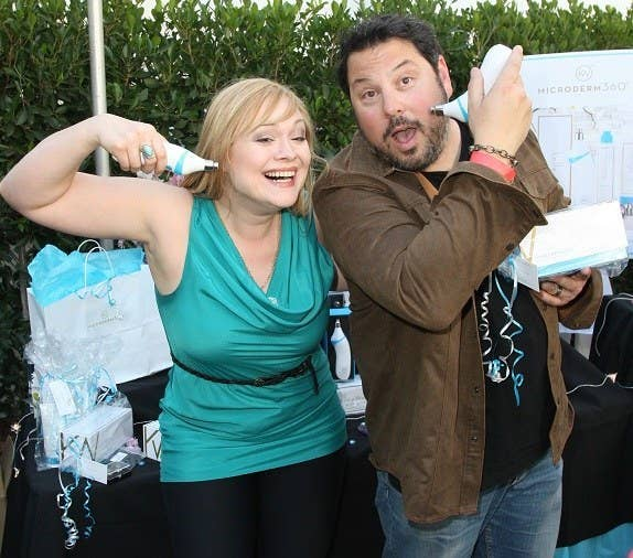 "Greg Grunberg ""Masters of Sex"" with Microderm 360"