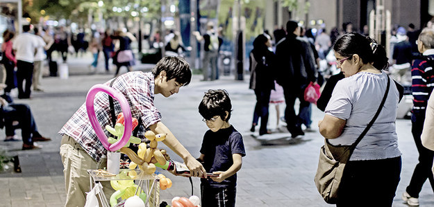 4. Canada - It is illegal for street musicians to give children balloon animals in Victoria, British Columbia.