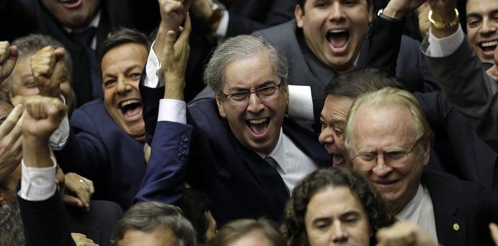 Eduardo Cunha comemora a vitória para a presidência da Câmara.