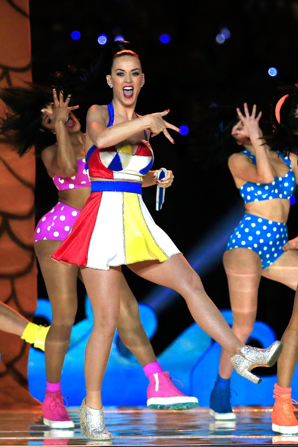 Katy Perry Got 'XLIX' Tattooed On Her Finger After Her Super Bowl Show