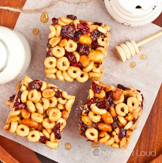 21 fun and easy treats you can make with cereal peanut butter honey cereal bars ccuart Choice Image