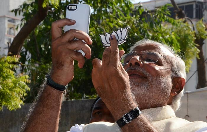 Now, Modi has announced that he will be setting up selfie stations all across New Delhi for his fans and followers to come take selfies with him. 2,500 selfie booths have been planned by the BJP (of which 1,500 have been built) right before the Delhi assembly elections.