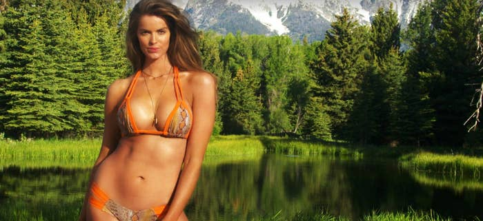 a3e88d9c08d6f But Robyn Lawley is ACTUALLY the first plus-size model to ever be included  in a Sports Illustrated editorial.