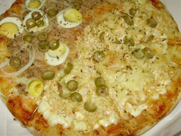 Aos 18: pedir pizza é o mais próximo que você pode chegar da alta gastronomia.