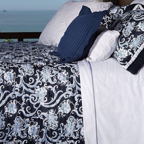 Aos 30: seu sonho é ter muitos travesseiros e uma colcha bacana.
