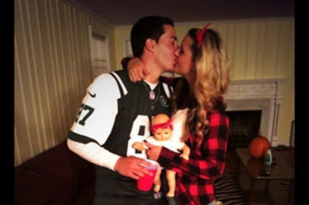 sc 1 st  BuzzFeed & 22 Couples Who Dressed Up Like Eric And Jessie Decker For Halloween