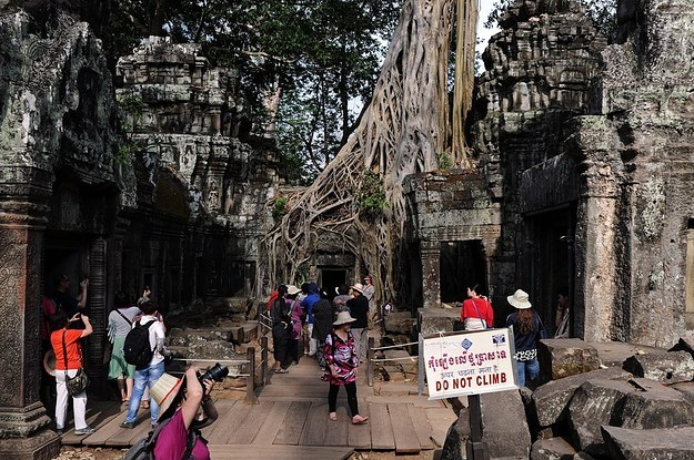 American Sisters Kicked Out Of Cambodia For Taking Nude
