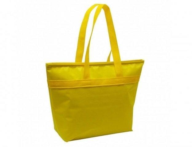Elas devem ser usadas para carregar itens de cozinha ou de banheiro que você mais usa. Como é fácil pegar o que tem dentro, já facilita a vida na casa nova.