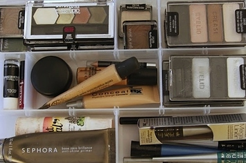 14 Incredibly Simple Ways To Organize Your Makeup