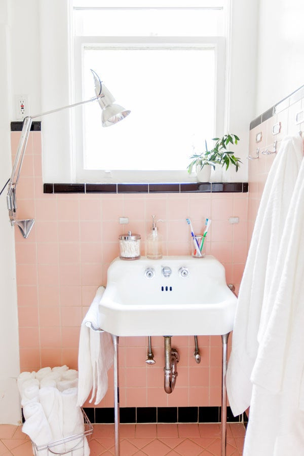 While Purifying The Bathroom Air Make Sure To Pick Plants That Suit The Bathroom Environment