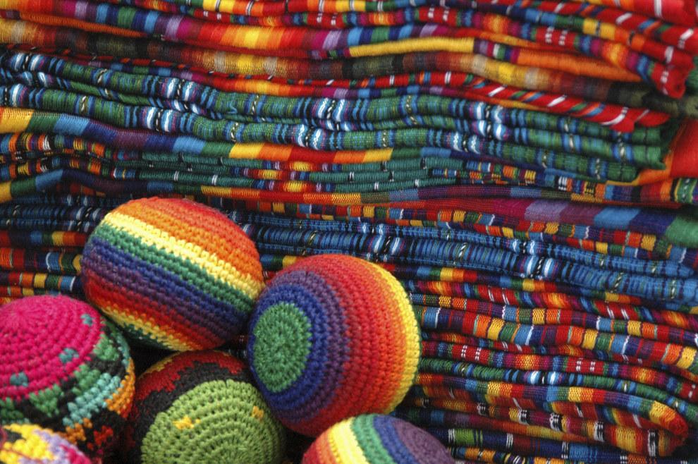 Dicen que sus textiles se llevan meses en hacer... ¡Qué perdida de tiempo!