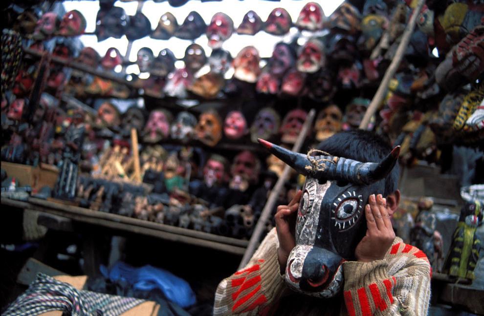 O las máscaras hechas a mano.