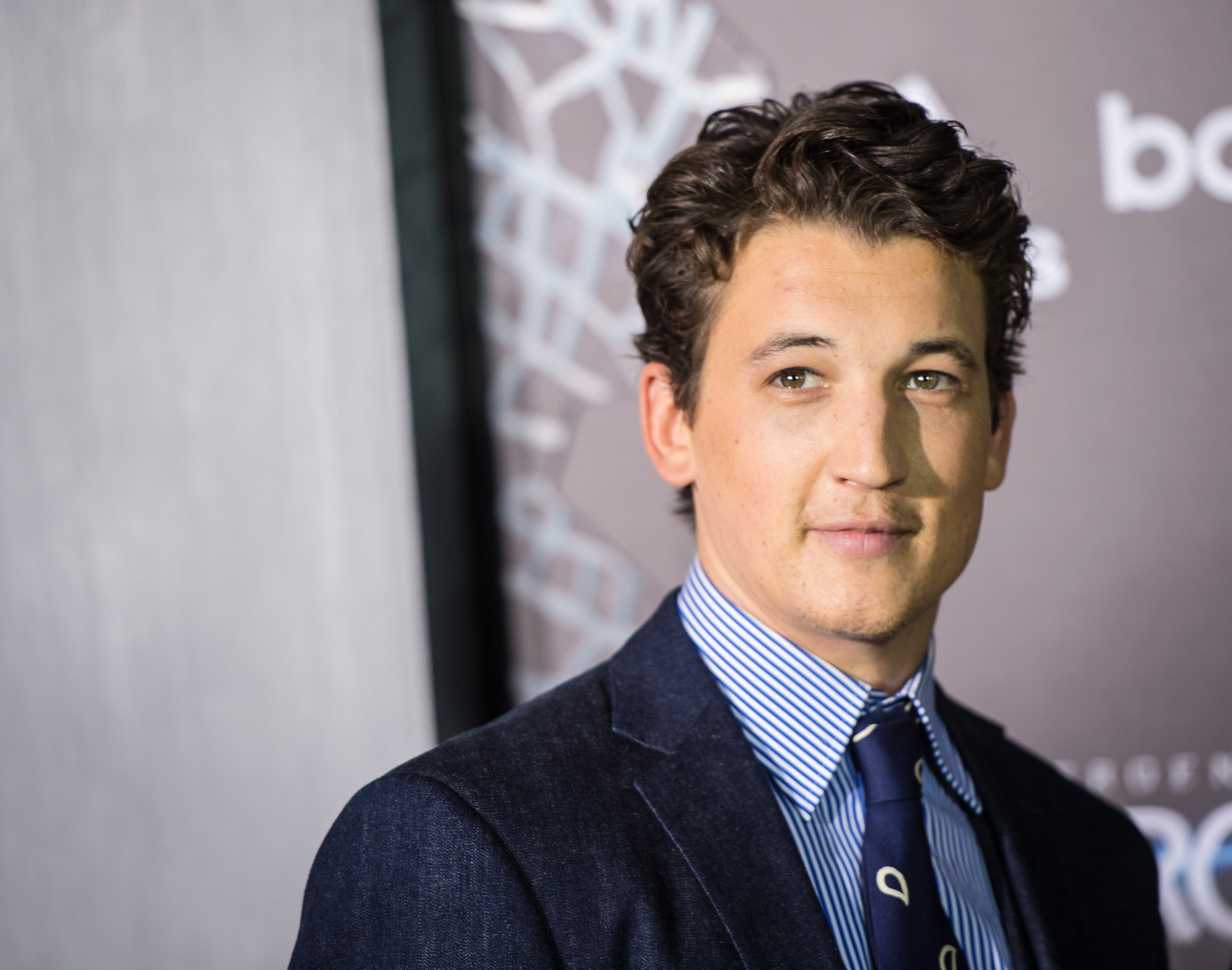miles teller newsmiles teller фильмы, miles teller instagram, miles teller movies, miles teller height, miles teller drums, miles teller gif, miles teller whiplash, miles teller films, miles teller twitter, miles teller imdb, miles teller 2016, miles teller gif hunt, miles teller boxing movie, miles teller wdw, miles teller drumming, miles teller wiki, miles teller and emma watson, miles teller news, miles teller kinopoisk, miles teller dating