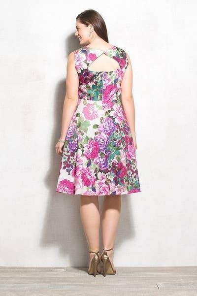 22 Super Adorable Plus-Size Dresses For Spring