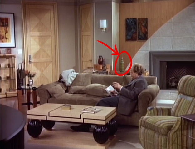 9 mind blowing facts about frasier for Frasier coffee table