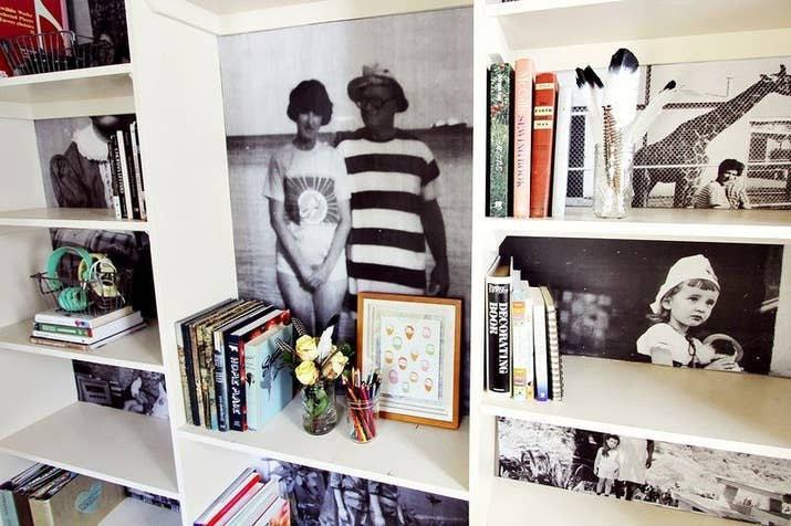 If you don't really have the money to spend on frames (or don't really have anywhere to put them) this DIY photo bookshelf is a great option.