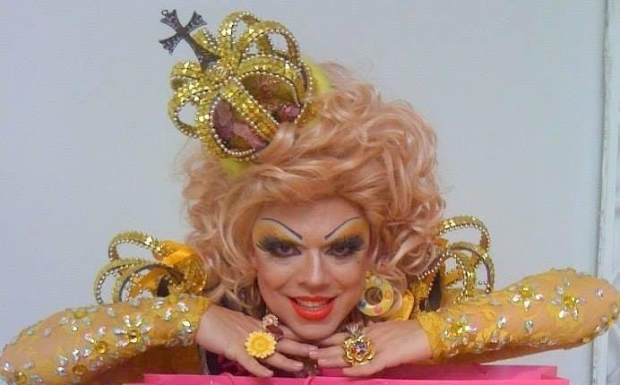 A drag queen Tchaka é figura certeira em manifestações e debates em São Paulo. Militante, foi responsável por puxar a 18ª Parada do Orgulho LGBT da cidade em 2015.