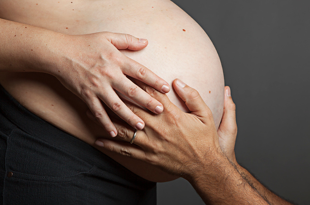 PSA: It Is Super Creepy To Rub A Pregnant Womans Belly