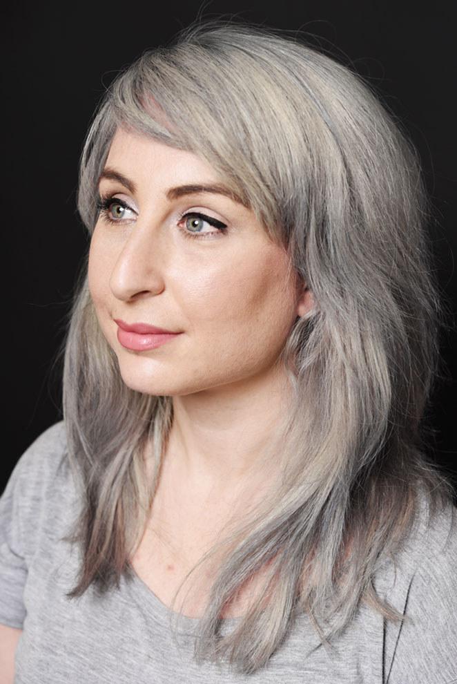 Dyeing gray hair