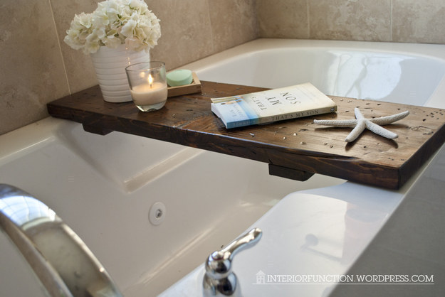 Make a cheap and easy bathtub tray for wine + book baths.