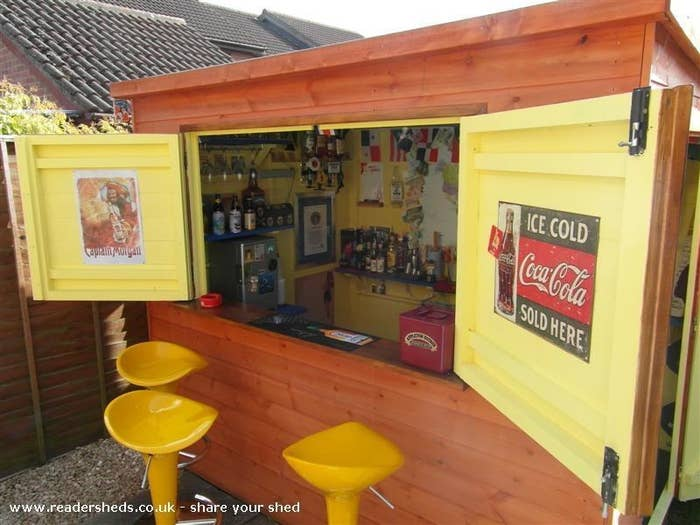This Is How To Make Your Shed Into Own Private Bar