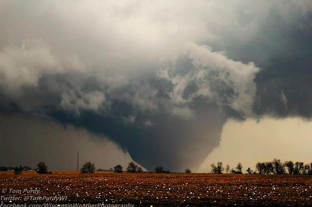 Deadly Tornado Devastates Illinois Town With Winds Up To ...
