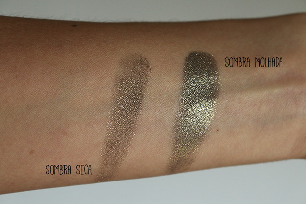 Potencialize a cor da sombra molhando levemente o pincel antes de passar no produto.
