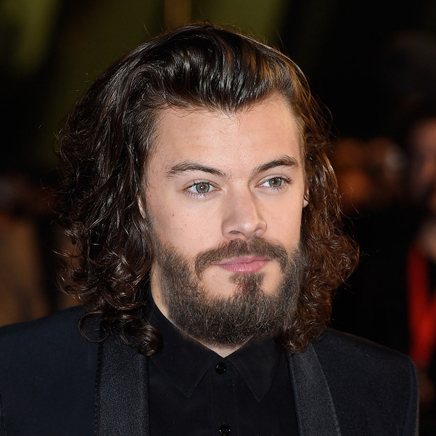 15 Celebrities You Never Thought Could Pull Off A Beard - Andrew Garfield Hairstyle