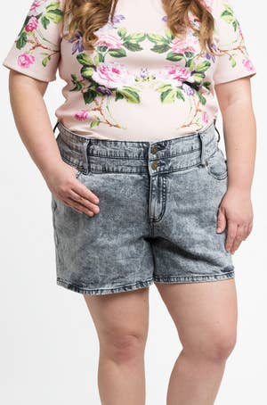 866beb9e975 This Is What Plus-Size Clothes Look Like On Plus-Size Women