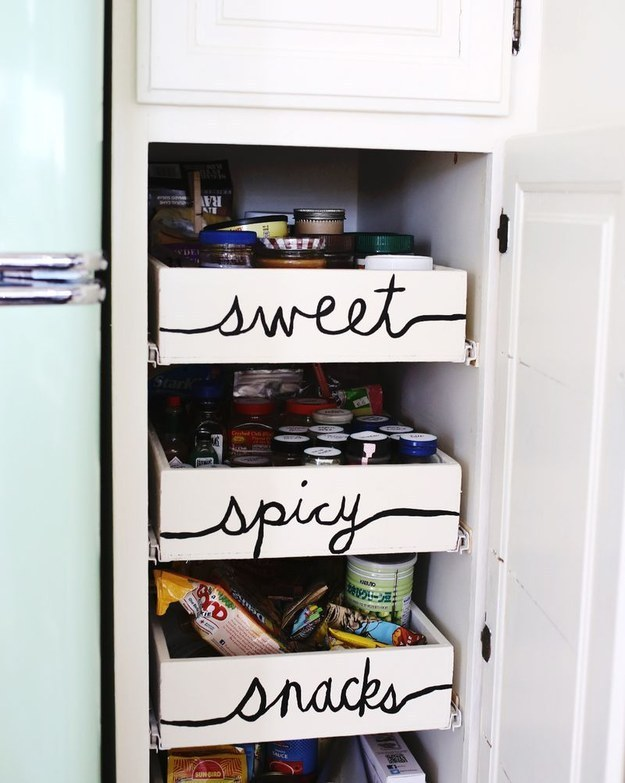 31 maneras económicas para hacer de la cocina tu lugar de felicidad