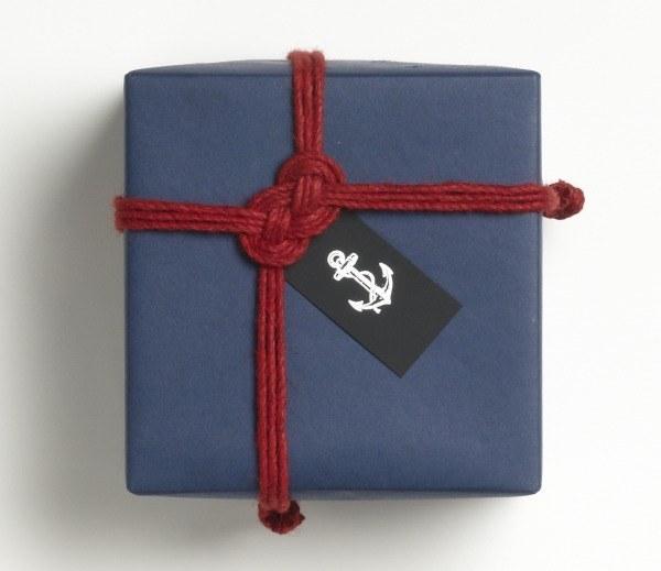 Как красиво украсить подарок для мужчины