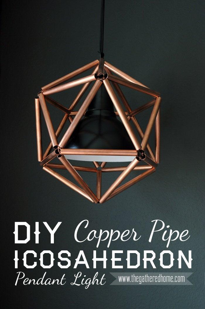 Este proyecto está inspirado en una lámpara que cuesta más de $ 2,000, pero esto solo le costará alrededor de $ 50. Tutorial completo en The Gathered Home.