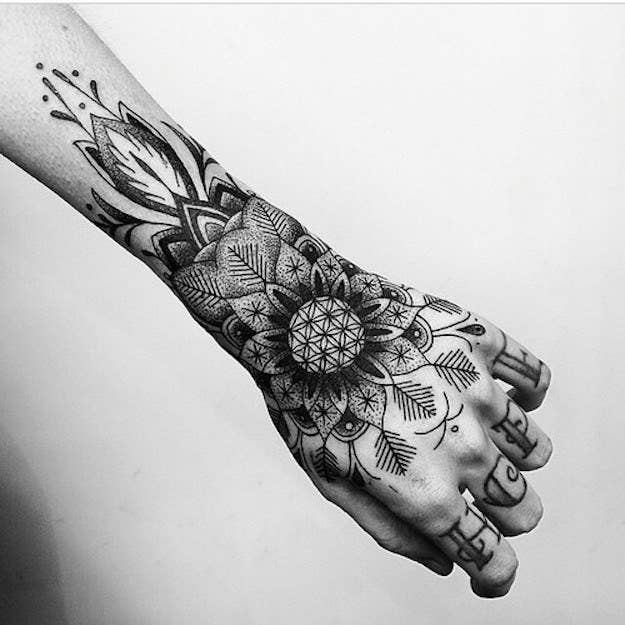 31 Pruebas De Que Los Tatuajes En Las Manos Son Elegantes