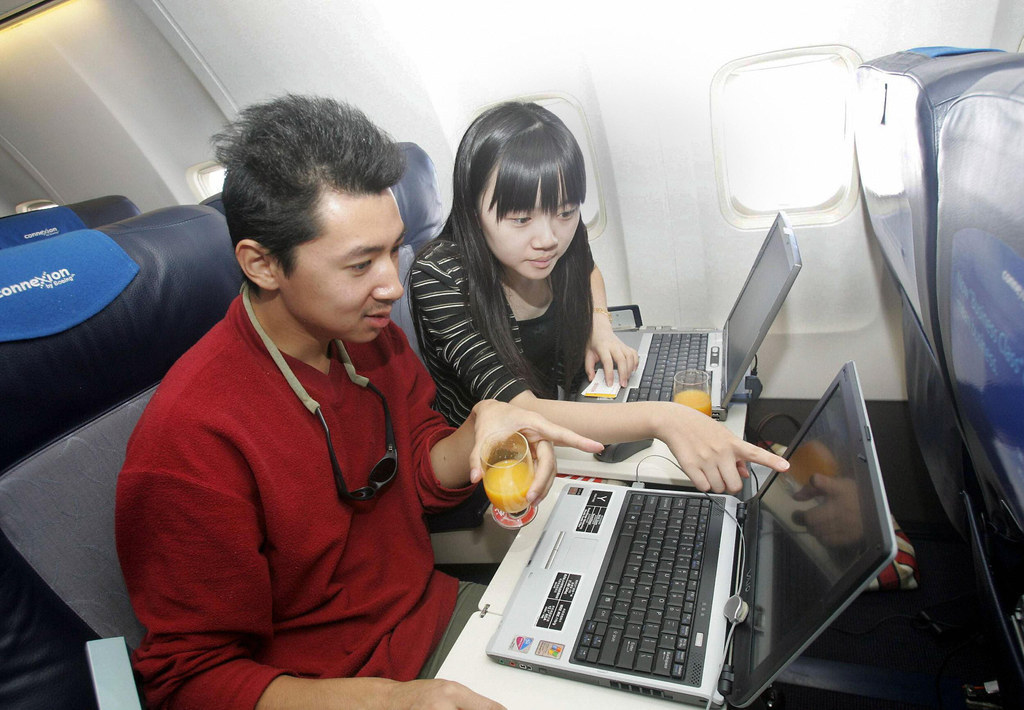 The Beginning Of The End For Terrible Wi-Fi On Planes