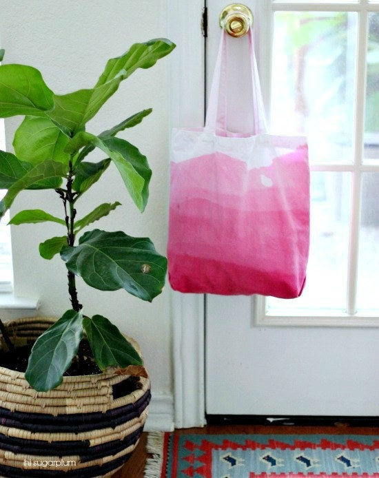 Tote + dye = done. Get the full instructions here.